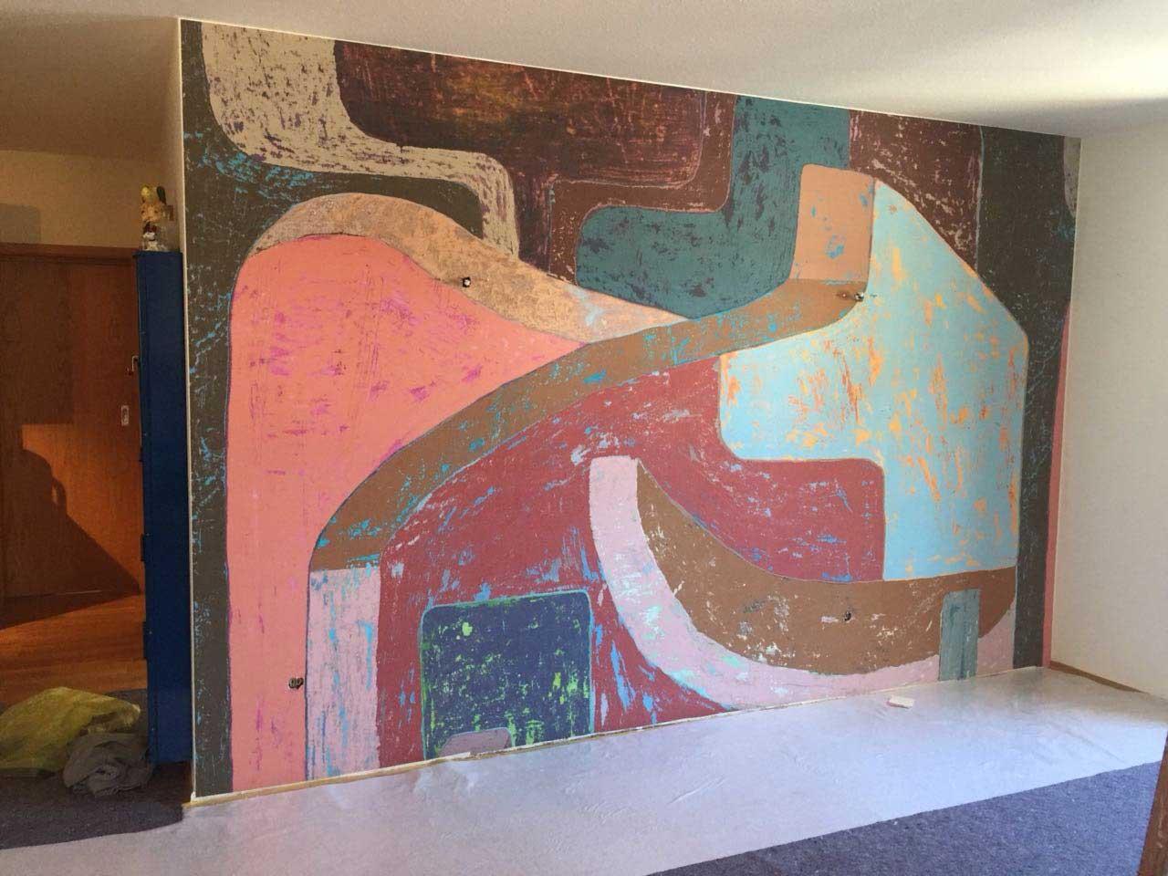 Malerarbeiten im Hause Karen Webb, Fernsehmoderatorin